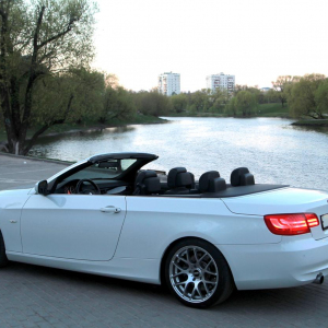 BMW-3-cabrio-white-black-1.JPG