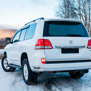 Toyota-Land-Cruiser-200-moscow-5.jpeg