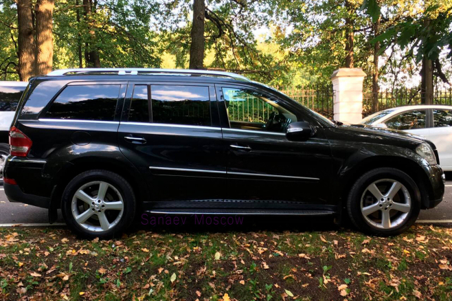 mercedes-benz-black-ml-moscow-3.jpg