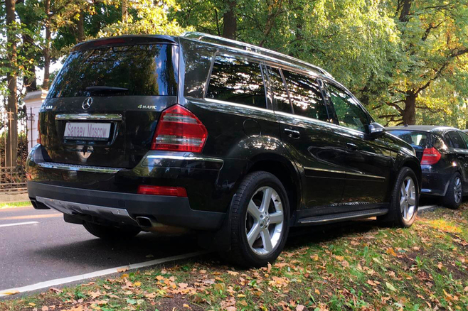 mercedes-benz-black-ml-moscow-2.jpg