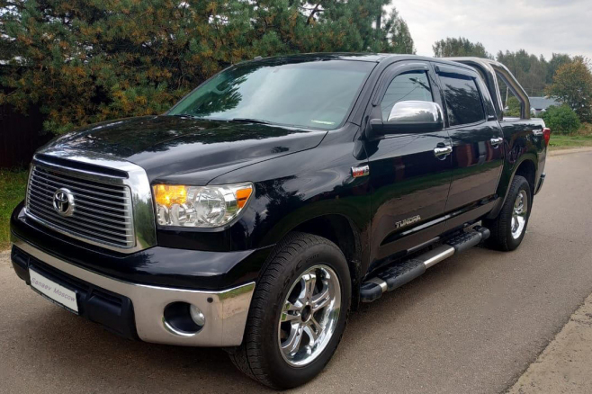 toyota-tundra-for-rent-moscow-1.jpg