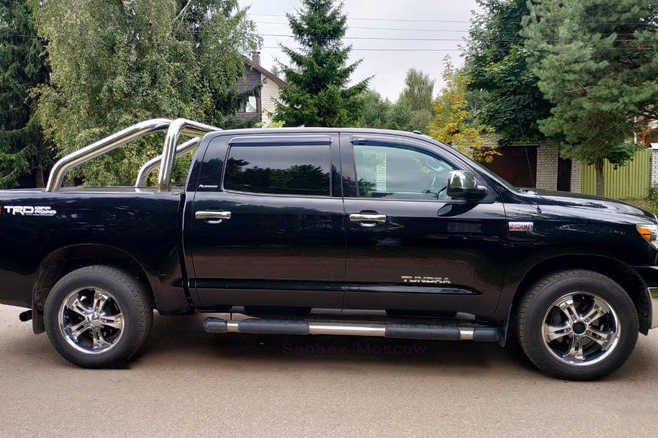 toyota-tundra-for-rent-moscow-3.jpg