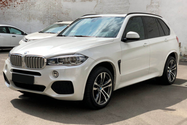 bmw-x5-f15-for-rent-in-moscow-0.jpeg