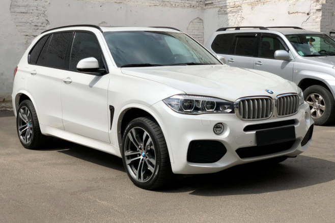 bmw-x5-f15-for-rent-in-moscow-1.jpeg