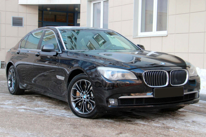 BMW-7-V-long-rent-moscow-1.jpeg