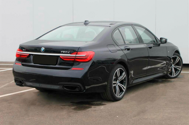 BMW-7-V-long-black-rent-moscow-2.jpeg