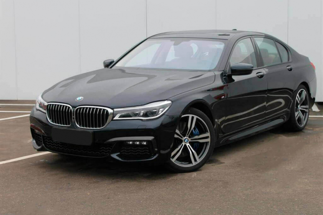BMW-7-V-long-black-rent-moscow-1.jpeg