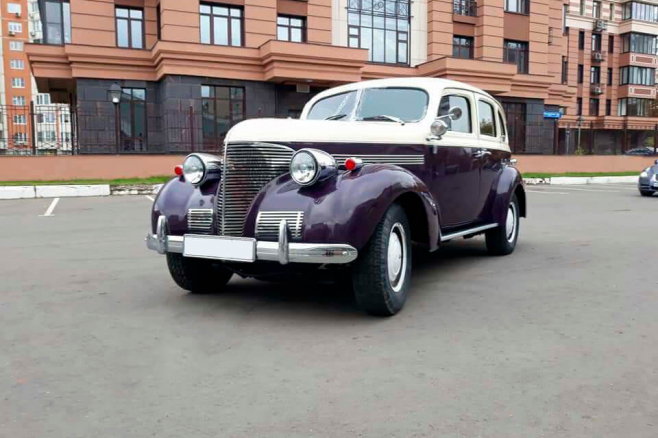 chrysler-royal-1938-6.jpeg