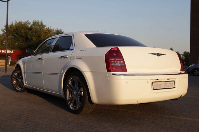 Chrysler-300c-sedan-sanaevmoscow-6.jpg