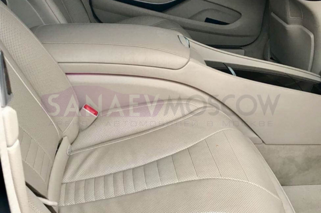 Mercedes-benz-maybah-whete-for-rent-07.jpg